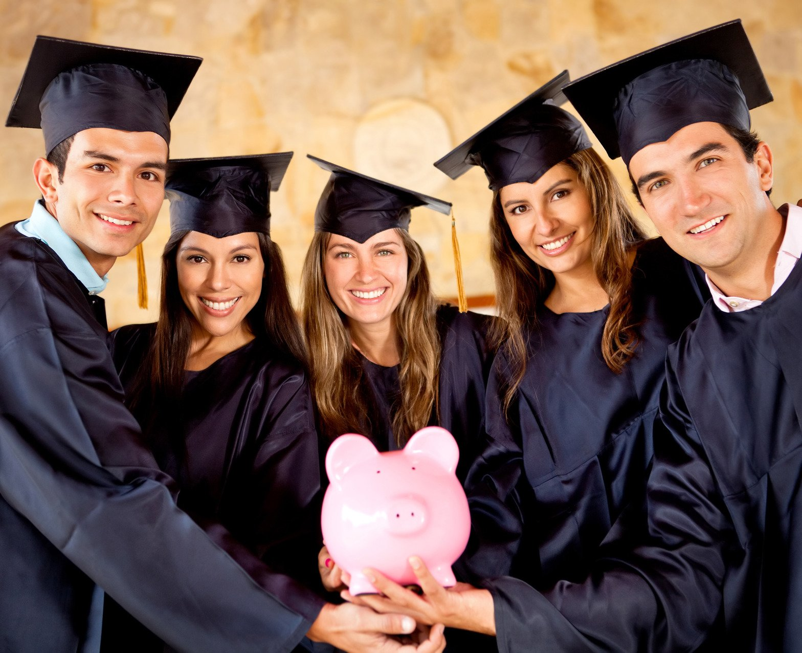 Five Students Each Receive $1000 Scholarship